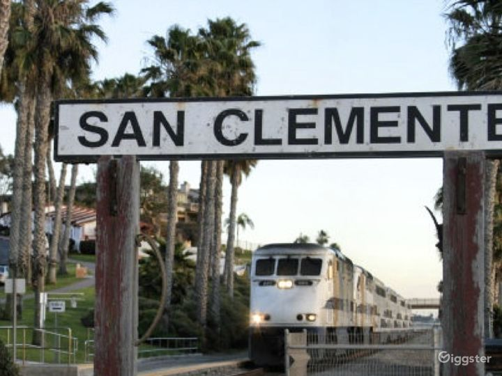 Close to the quaint downtown village, pier and beach train.