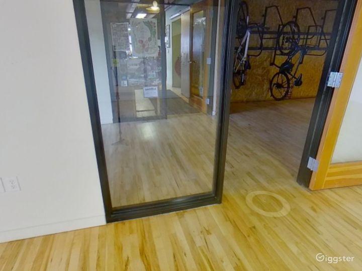 Sunny Mezzanine Suite  Photo 3