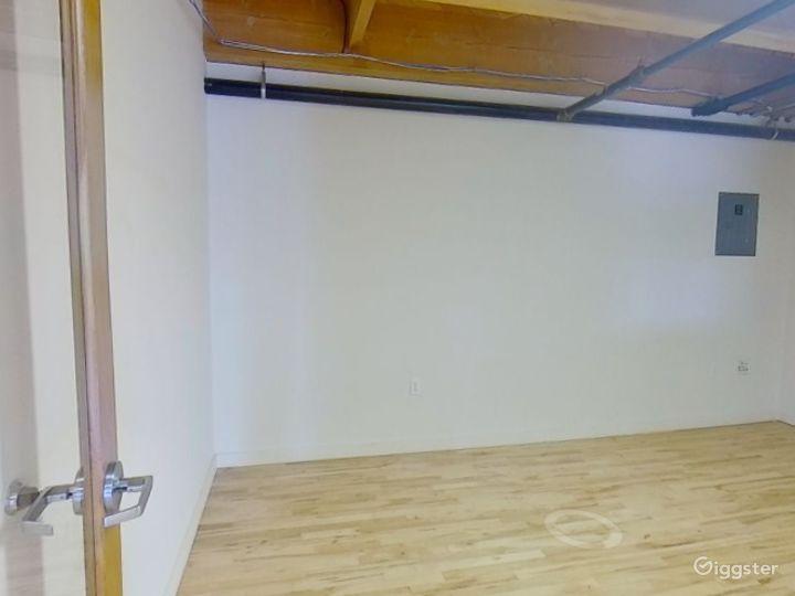 Sunny Mezzanine Suite  Photo 4