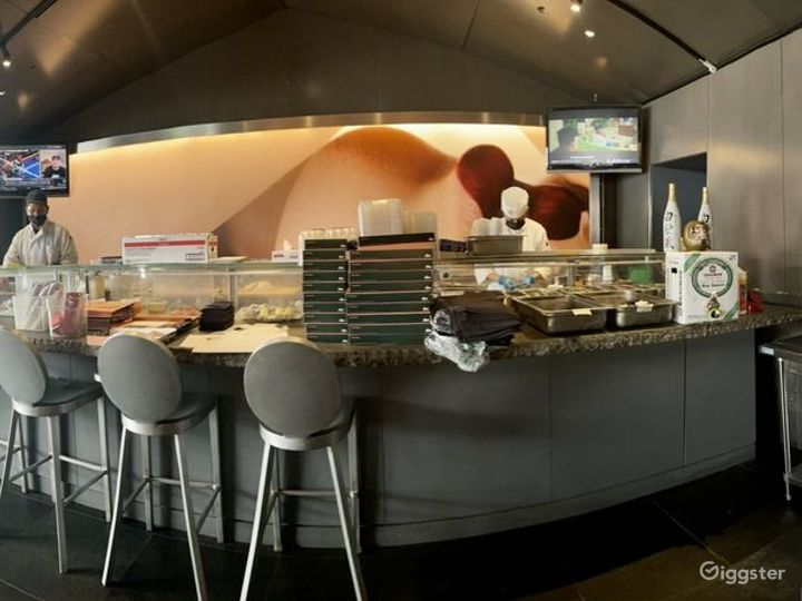 Modern and Sophisticated Restaurant in Glendale (Full Venue Buyout) Photo 3