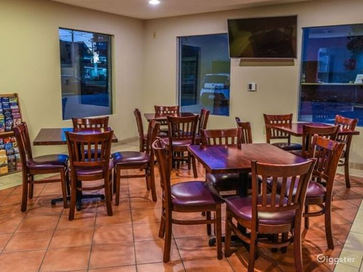 Great Dining Area with wooden furniture Photo 4