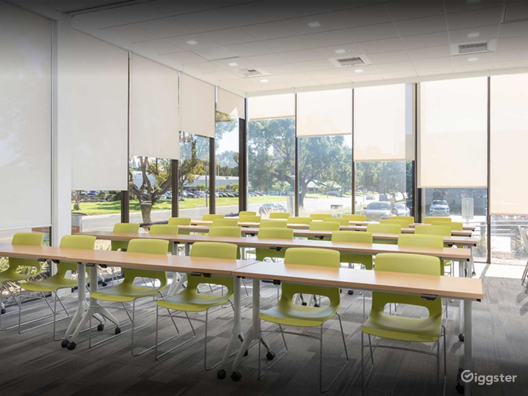 Contemporary Conference Room in Irvine Photo 1