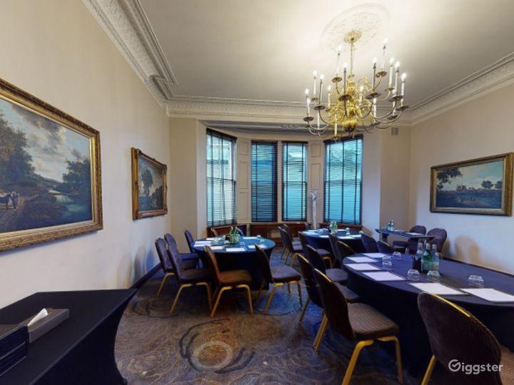 Luxurious Edwardian Room Edwardian in Cromwell Road, London Photo 2