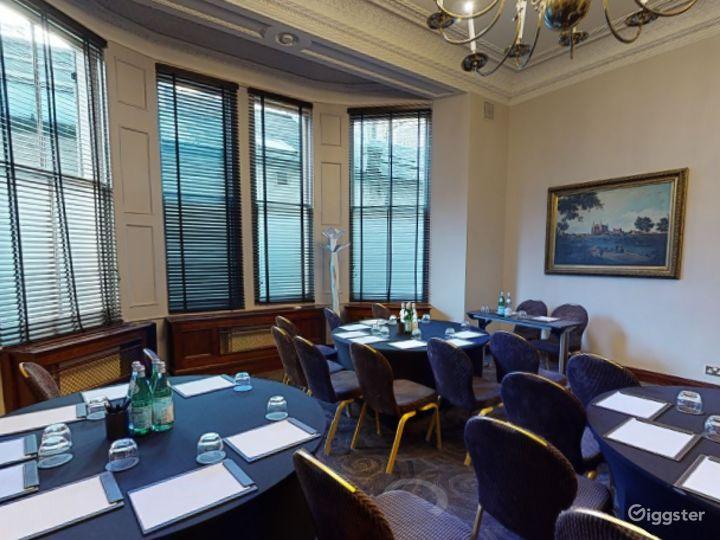 Luxurious Edwardian Room Edwardian in Cromwell Road, London Photo 3