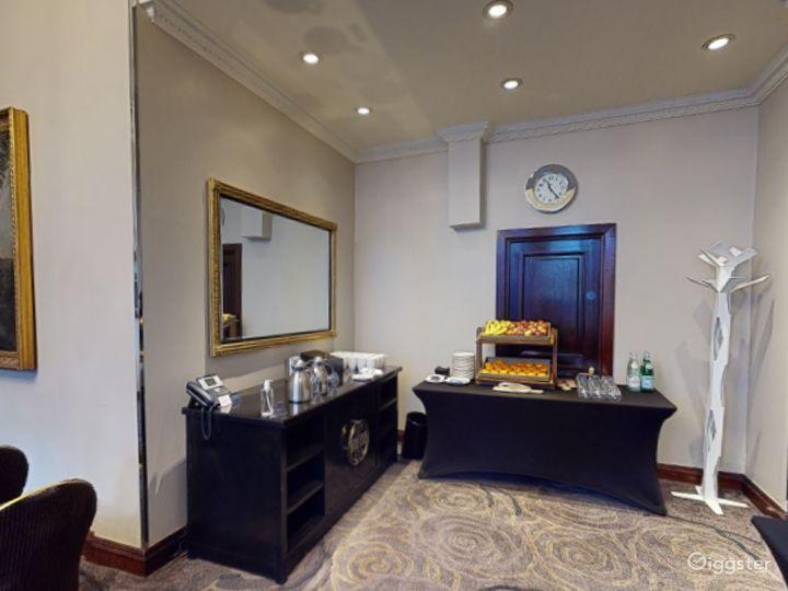 Luxurious Edwardian Room Edwardian in Cromwell Road, London Photo 4