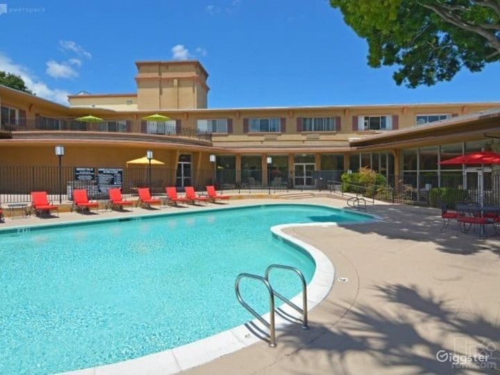 Cozy Outdoor Pool w/ BBQ Lounge Area in San Mateo Photo 3