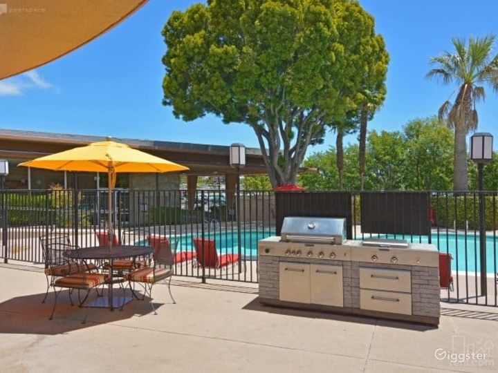 Cozy Outdoor Pool w/ BBQ Lounge Area in San Mateo Photo 2