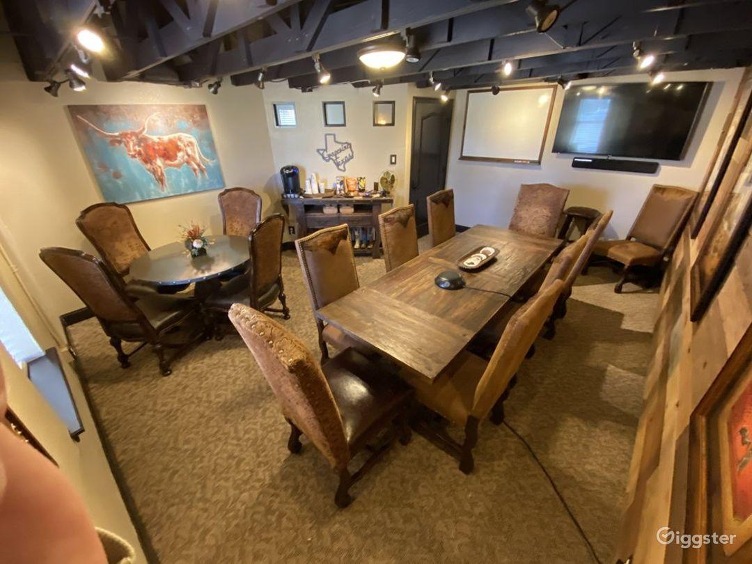 Grapevine Luxurious Meeting Room Photo 1