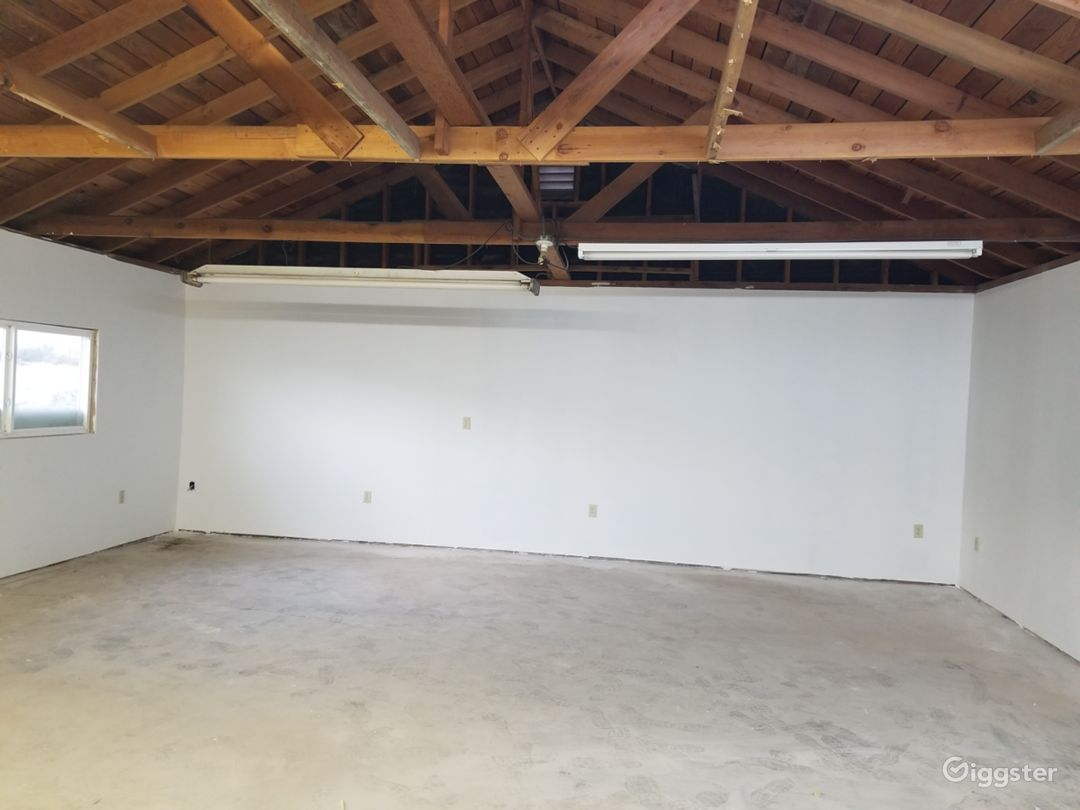 Room can be used for production company or dressed for use for set. Plenty of electrical outlets in walls and ceiling. You can paint and dress as needed. Construct set walls as needed. A full line hardware store is located 2 minutes away.