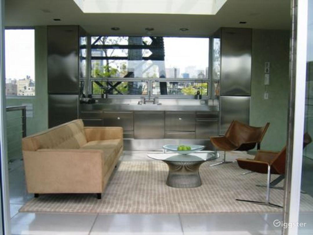 Modern, contemporary penthouse: Location 3327 Photo 1