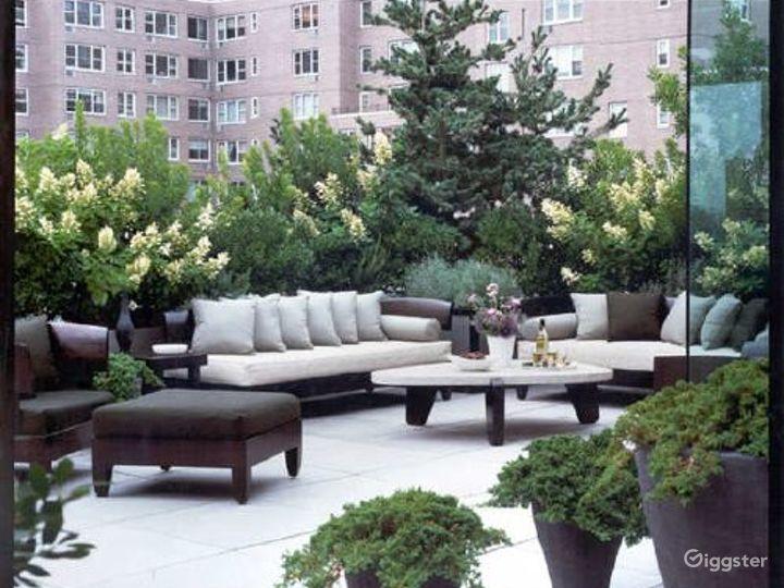 Modern, contemporary penthouse: Location 3327 Photo 2