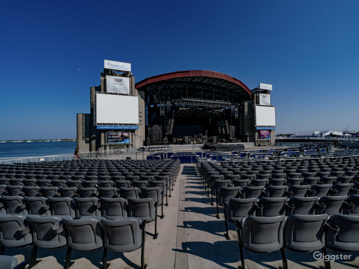 Outdoor Amphitheatre on the Bay Photo 4