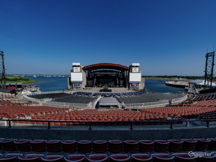 Outdoor Amphitheatre on the Bay Photo 5