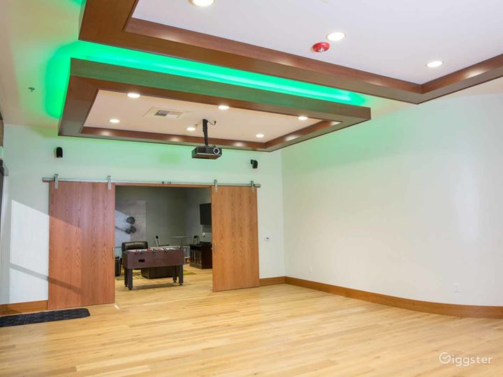 Elite Conference Room with 12′ Ceilings in Fresno Photo 3