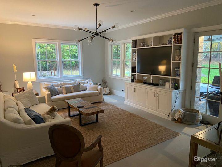 Contemporary Hamptons shingled home: Location 5270 Photo 4