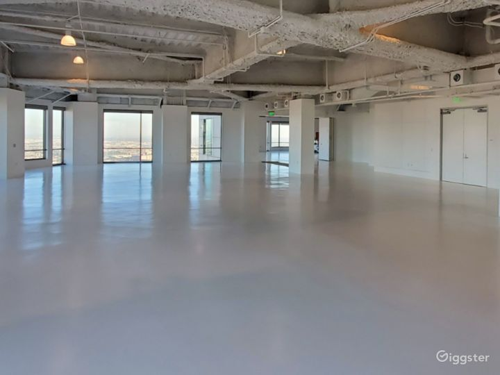 Largest Studio B, with Unparalleled Views of the Sunrise, downtown Los Angeles, and Dodgers Stadium Photo 4