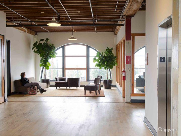 Bright Mezzanine Suite Photo 4
