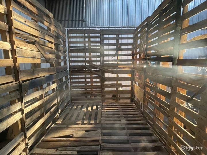 The Wooden Pallet Set Photo 3