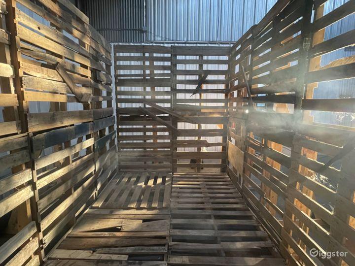 The Wooden Pallet Set Photo 5