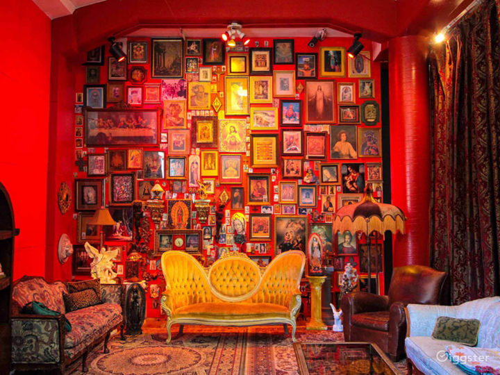 Baroque Photo Studio With Colorful Sets
