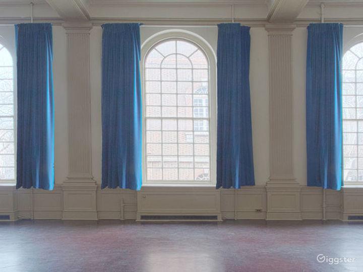Great Bright Bright Hall Photo 4