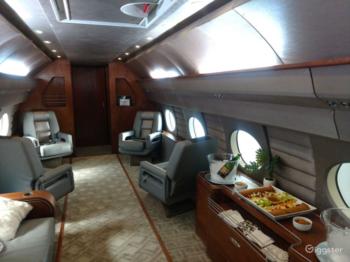 G4 Large Luxury Jet Airplane available for filming Photo 4