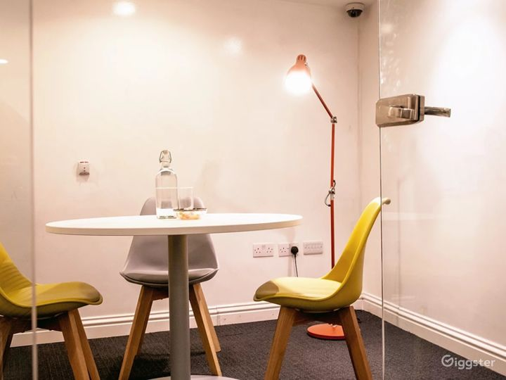 Space for Great Ideas: Small Ideas Room Photo 2