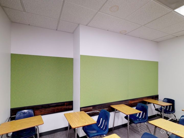 Spacious and Modern Classroom in Portland Photo 5