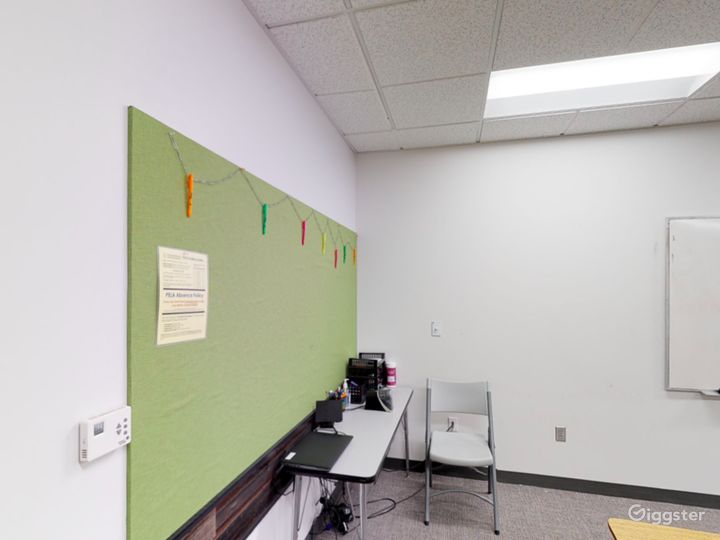 Spacious and Modern Classroom in Portland Photo 3