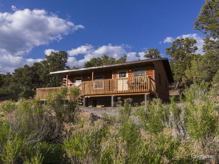 Country-style Cabin 2 with Veranda  Photo 5