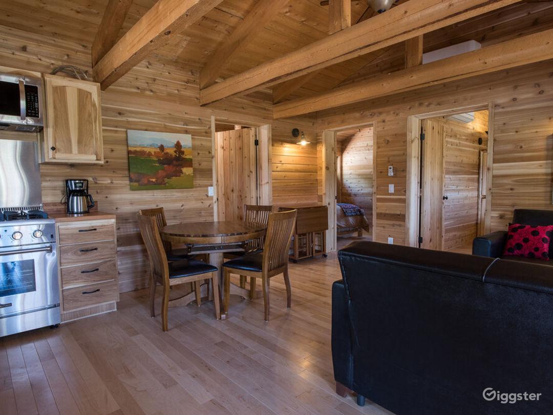 Country-style Cabin 2 with Veranda  Photo 1