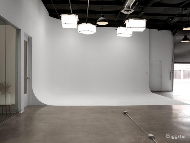Spacious Santa Monica Production Studio w/ parking Photo 2