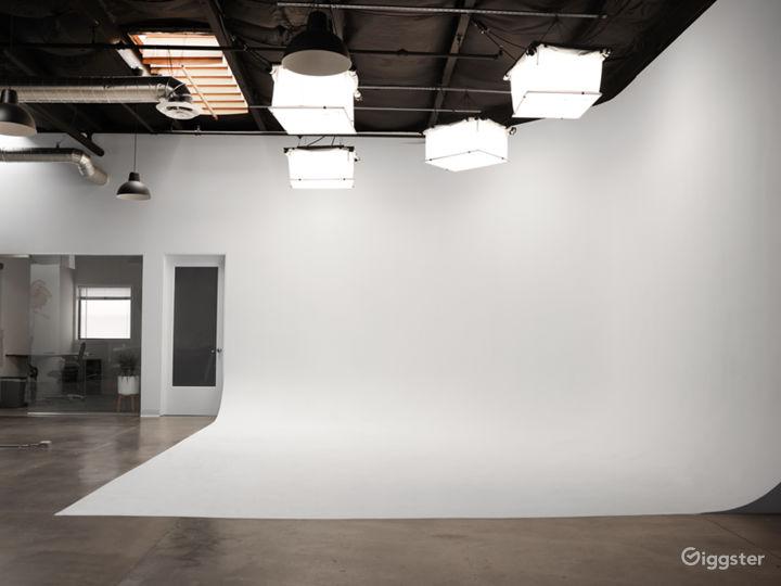 Spacious Santa Monica Production Studio w/ parking Photo 4