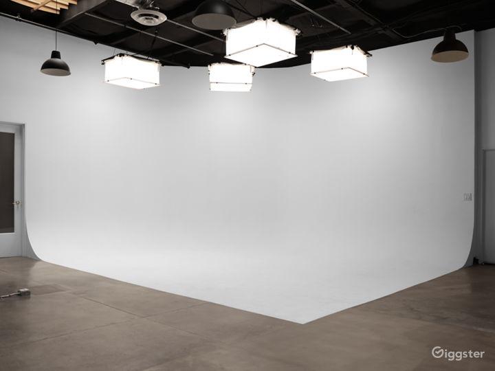 Spacious Santa Monica Production Studio w/ parking Photo 3
