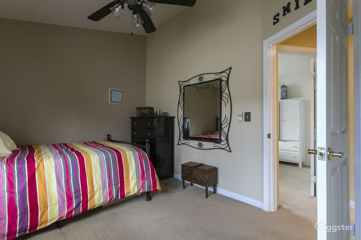 Santa Clarita All American Classic Residential Is Available For Booking In US