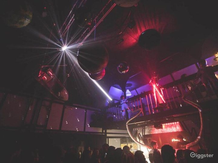 Fully Licensed Bar and Event Venue in London Photo 2