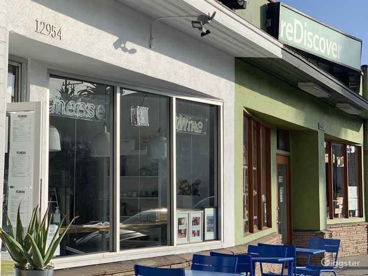 Contemporary Cheese & Charcuterie Cafe/Shop in Culver City Photo 4