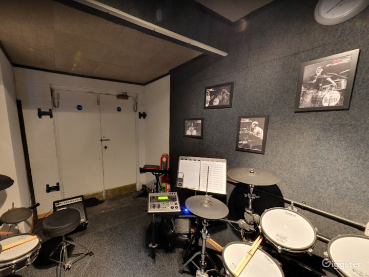 Music Room 9 in Birmingham Photo 4