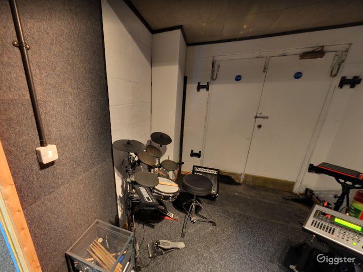 Music Room 9 in Birmingham Photo 3