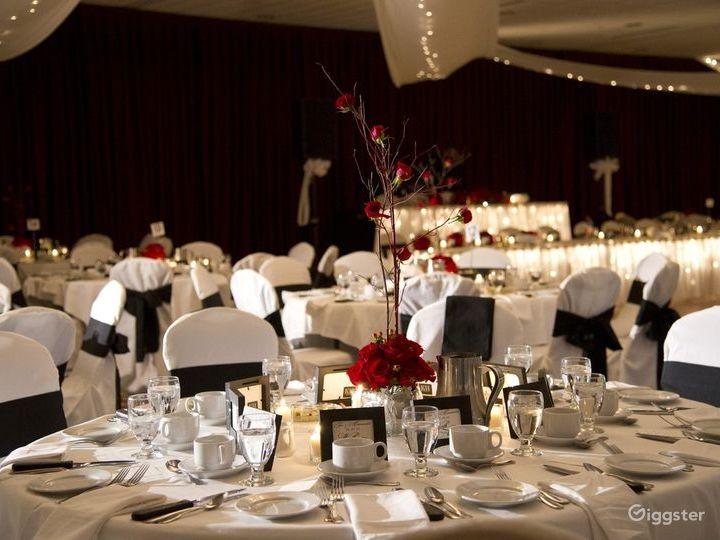 Bright Grand Ballroom in Ohio Photo 5