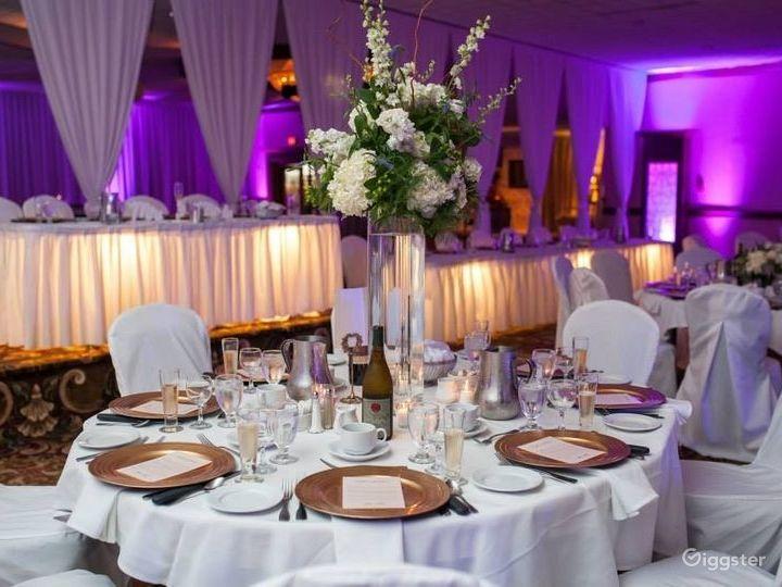 Bright Grand Ballroom in Ohio Photo 3