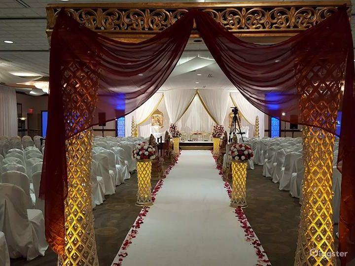 Bright Grand Ballroom in Ohio Photo 2