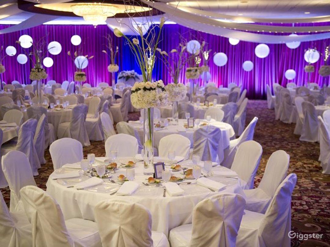 Bright Grand Ballroom in Ohio Photo 1