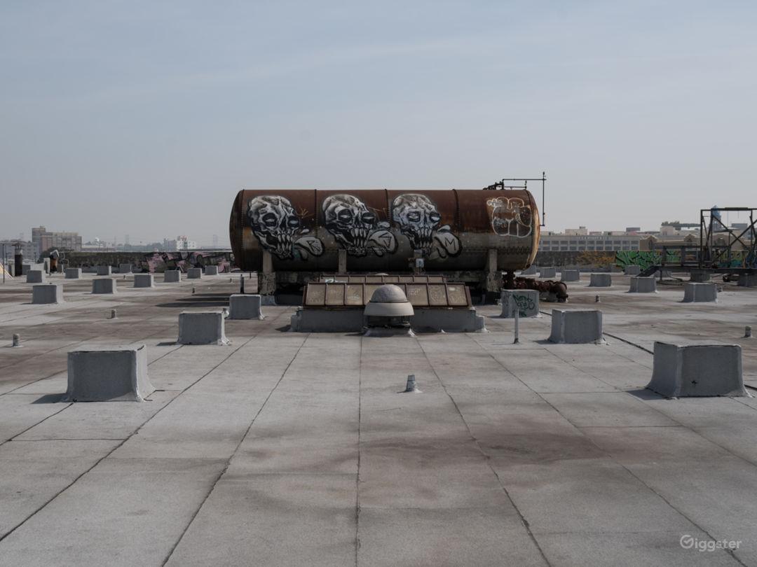 Rooftop Skyline View with Studio Photo 4