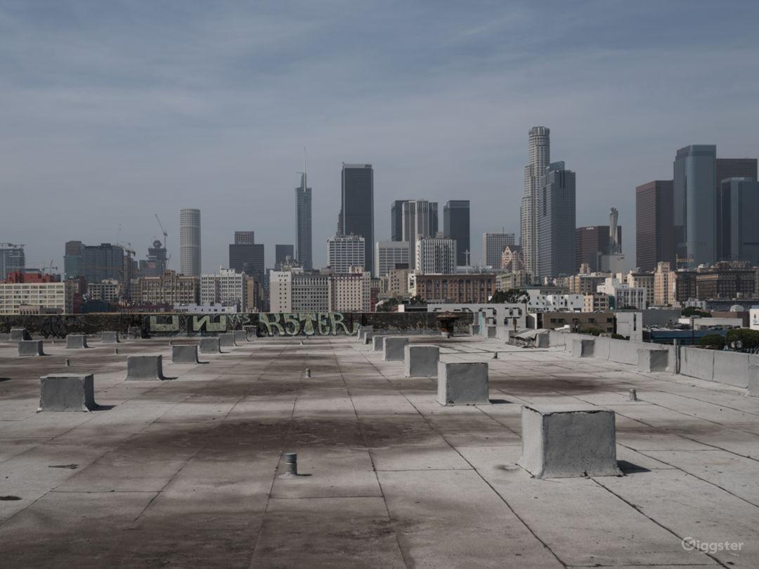 Rooftop Skyline View with Studio Photo 3