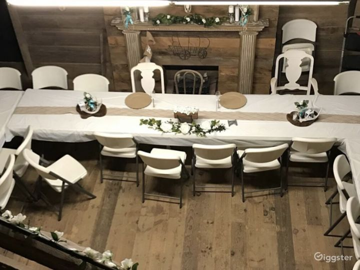 You can set up a variety of seating options.  This couple went with about 25 seats in the main room to showcase the cake, and there are numerous other rooms throughout for additional seating.