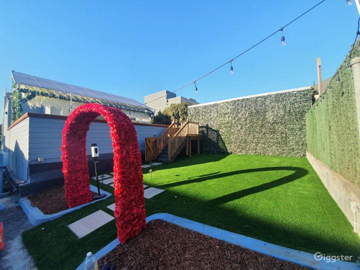 Garden area with optional rose arch