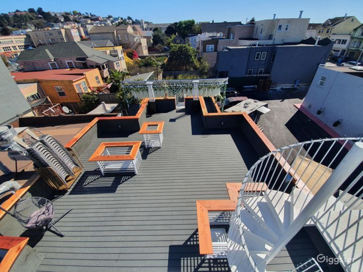 Outdoor Terrace with SF Skyline View Photo 3