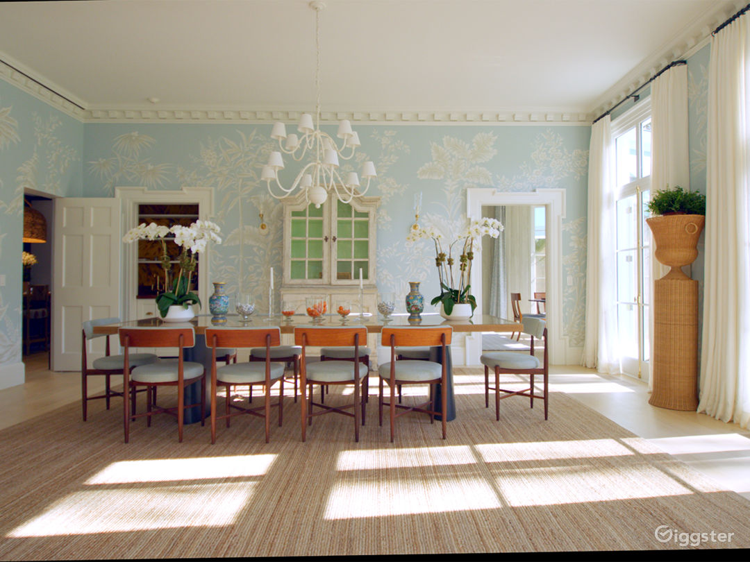 Grand Mansion in East Hampton NY Photo 2
