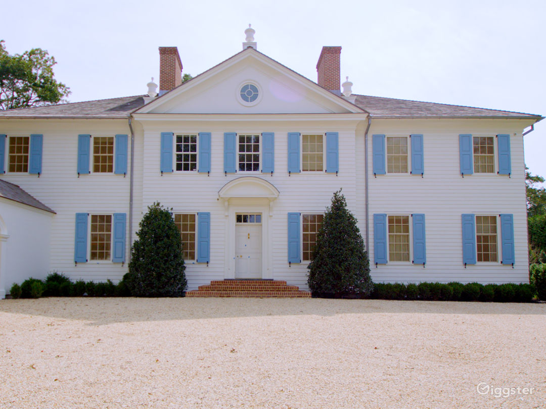 Grand Mansion in East Hampton NY Photo 5